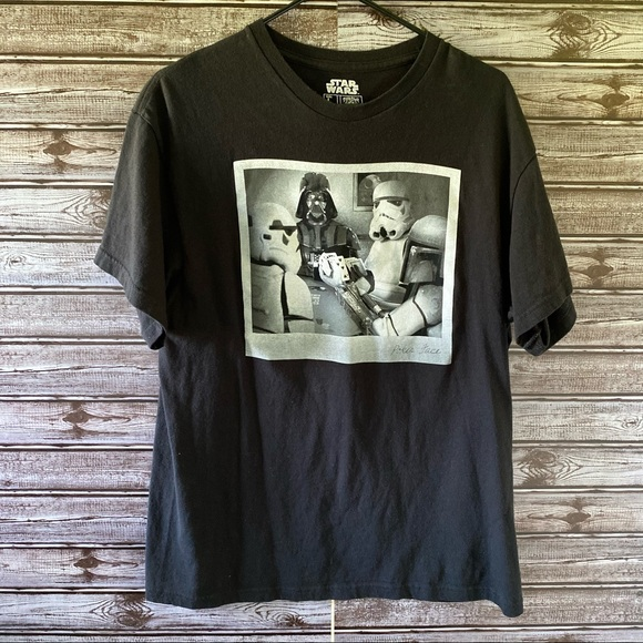 """Star Wars """"Poker Face"""" Graphic Tee Size L"""